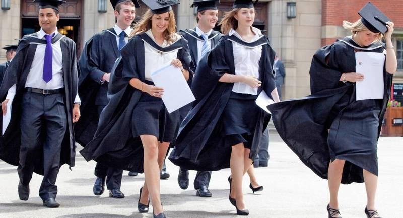 выпускники канадского вуза