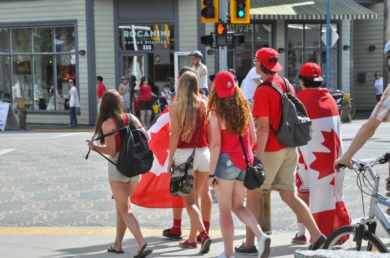 жители канады